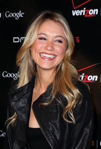 Katrina Bowden launch of Verizon's wireless Droid in New York