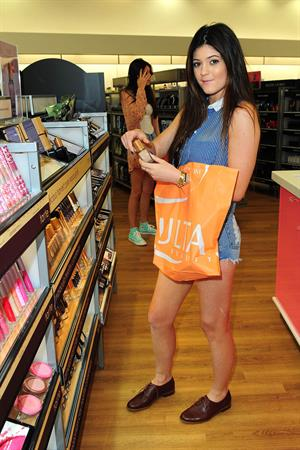 Kylie Jenner Ulta Beauty in West Hollywood 9/13/12