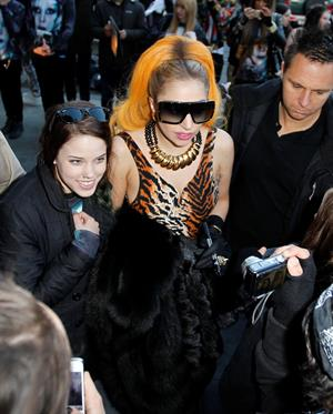Lady Gaga - Signs autographs heading to 4th of July private party in Melbourne (July 4, 2012)