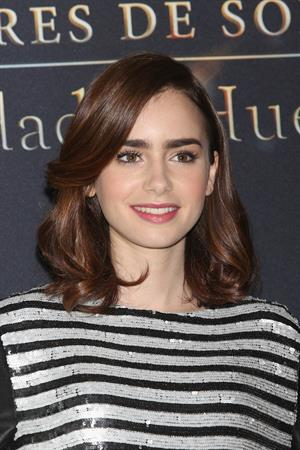 Lily Collins  City of Bones  Mexico Photcall 8/26/13