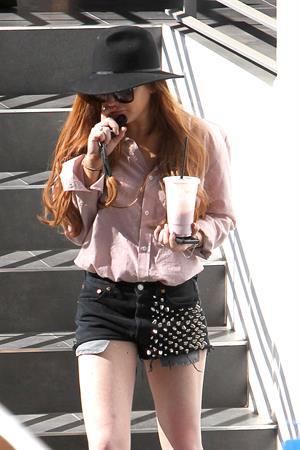 Lindsay Lohan - Exposes her socks in Los Angeles (31.01.2013)