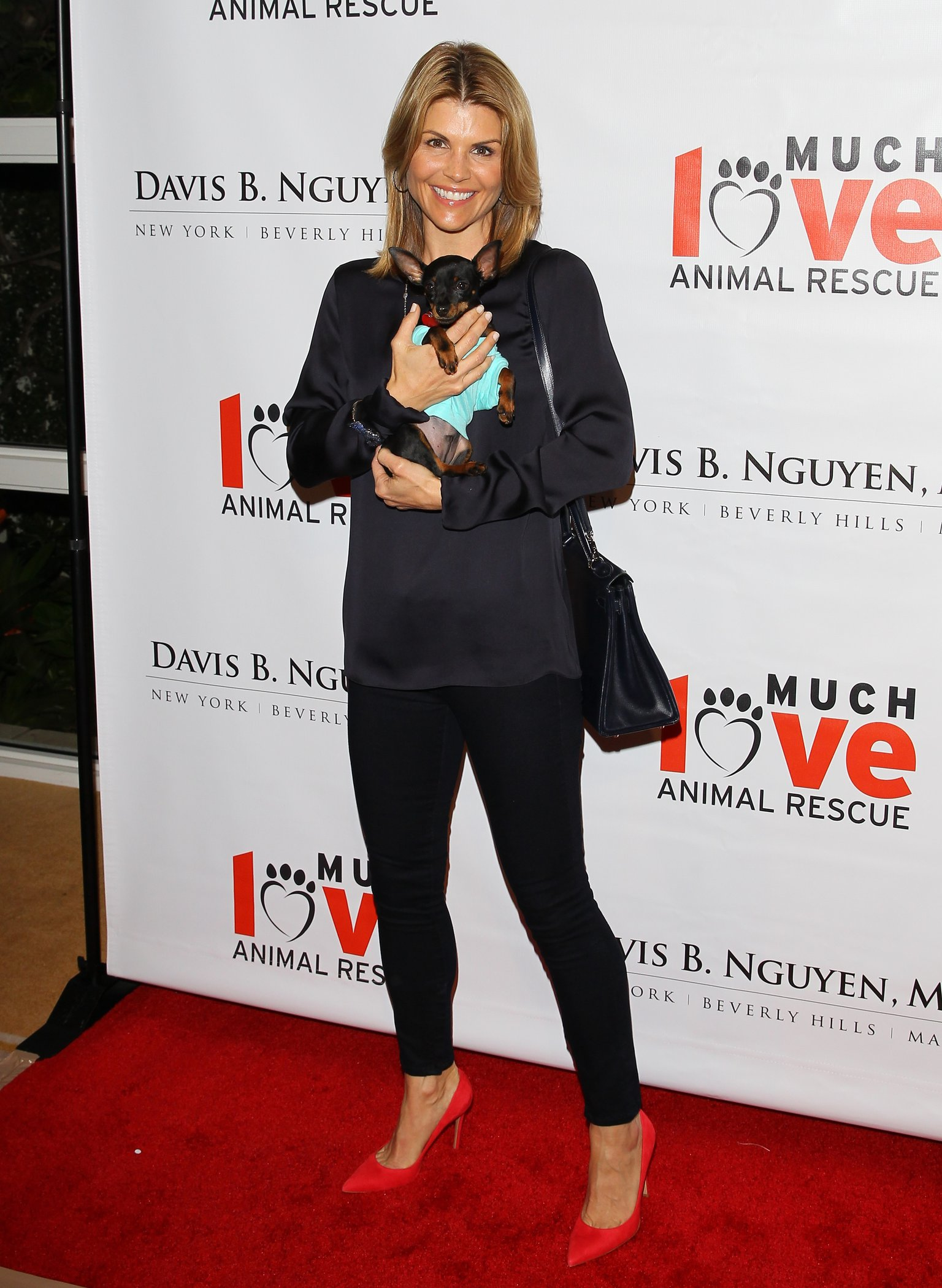 Lori Loughlin Makeovers For Mutts Fundraiser (March 14, 2013)