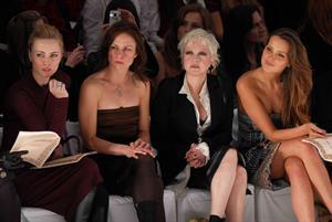 Melissa George 'Nicole Miller' Fashion Show - Mercedes Benz Fashion Week (February 2, 2007)