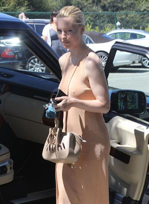 Melissa George out and about in Beverly Hills June 26, 2012