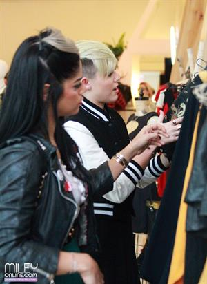 Miley Cyrus shopping at Reformation in West Hollywood 11/9/12