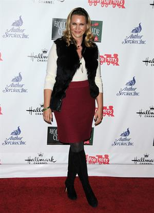 Natasha Henstridge 2012 Hollywood Christmas Parade Benefiting Marine Toys For Tots on November 25, 2012