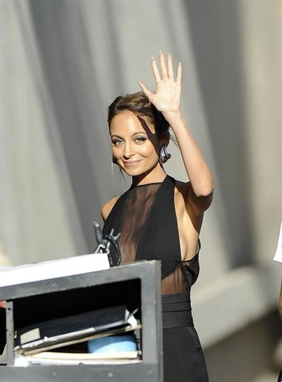 Nicole Richie arrives at the Jimmy Kimmel Show 09.04.13