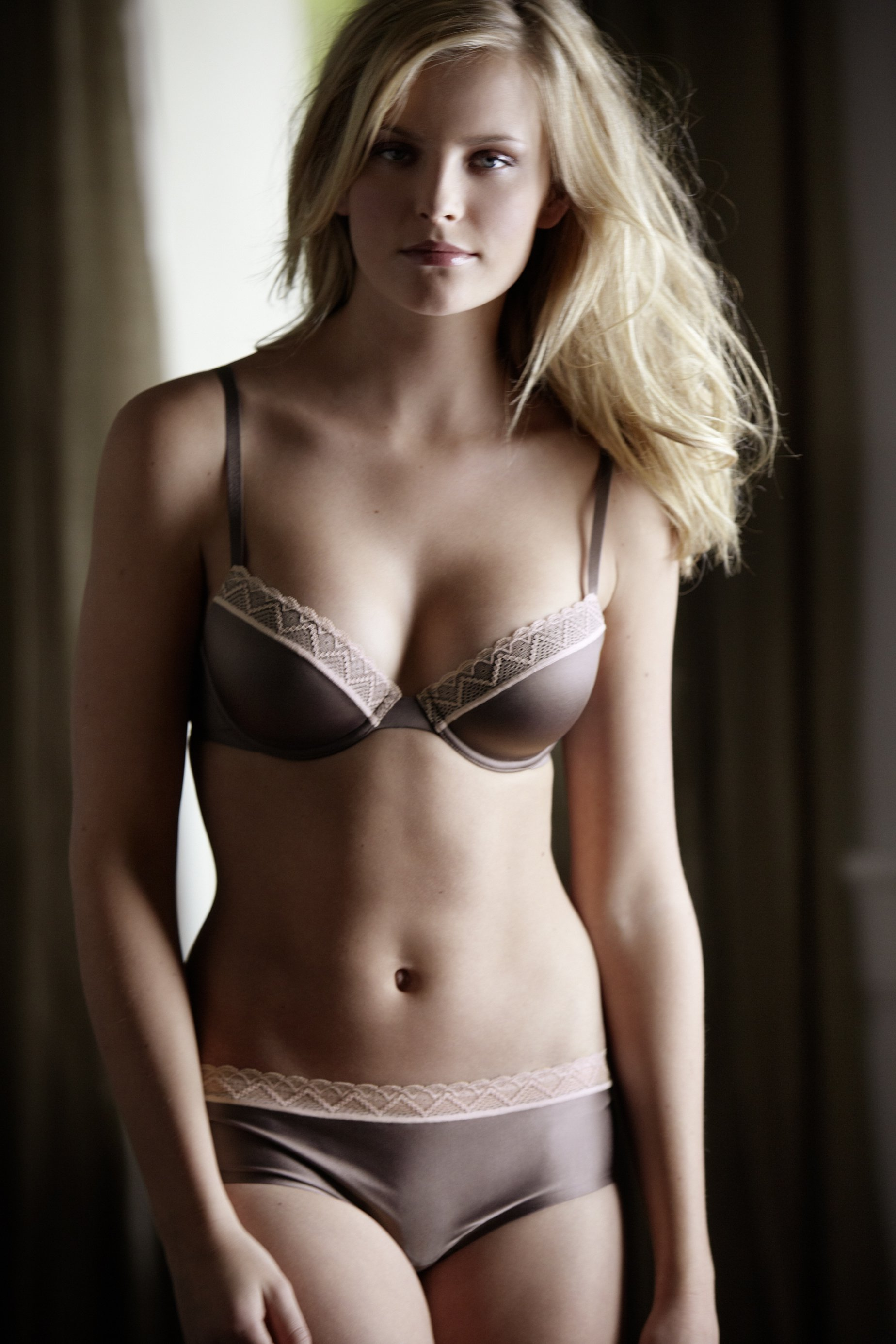 Hot Women With Small Breasts