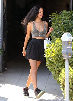Rihanna - Shopping in West Hollywood - 24.8.2012