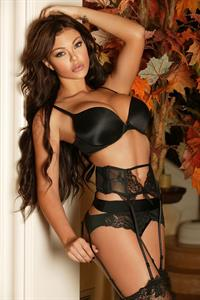 Vivian Kindle in lingerie