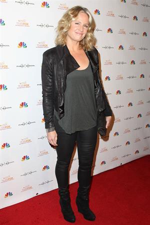 Sherry Stringfield Raising The Bar To End Parkinson's (Dec 5, 2012)