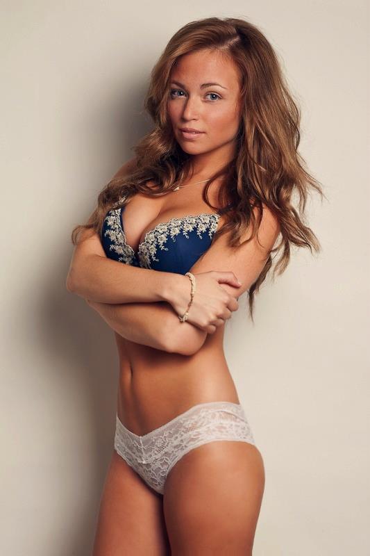 Elizabeth Tobar in lingerie