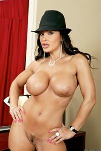 Lisa Ann - pussy and nipples