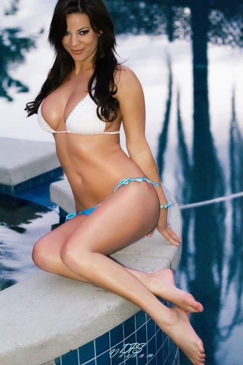 Elizabeth King in a bikini