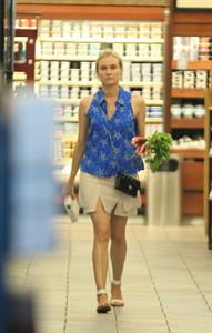 Diane Kruger shops at the Gelsons in Los Feliz August 21, 2014