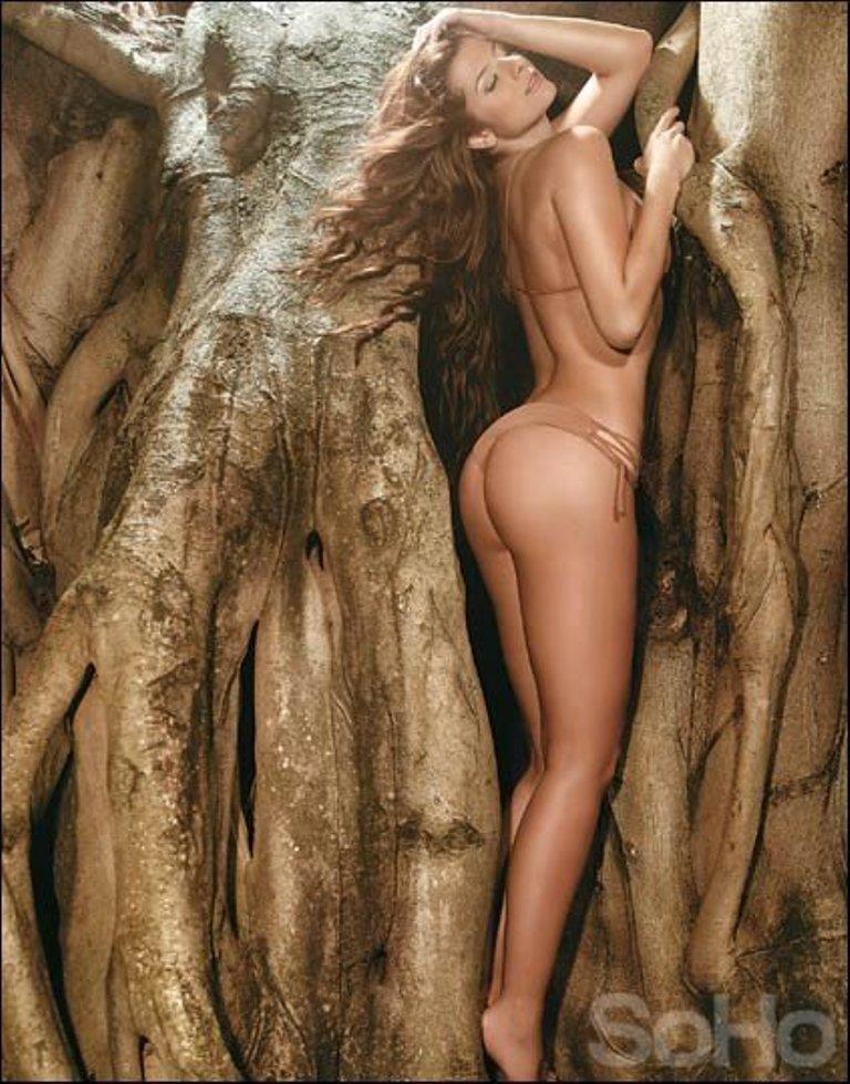 Carolina Cruz in a bikini - ass