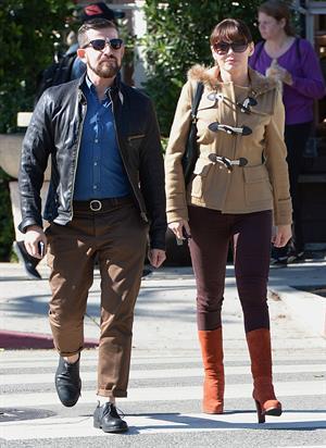 Rose Mc Gowan Has lunch with her boyfriend in LA 09.11.12