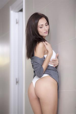 Michaela Isizzu strips in the hall