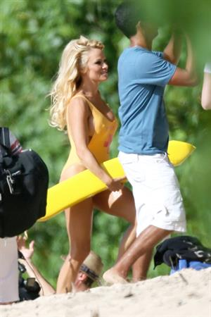 Pamela Anderson - Filming for an Brazilian TV Show in Hawaii 17.08.12