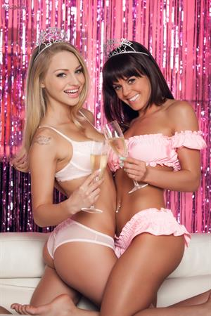 Staci Carr Twistys treat of the month for January 2015 (lesbian sex photoshoot)