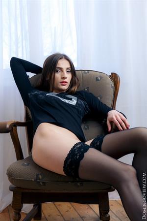 Teen Marlyn sexy posing