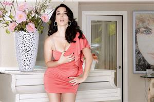 All Show No Tell.. featuring Jelena Jensen | Twistys.com