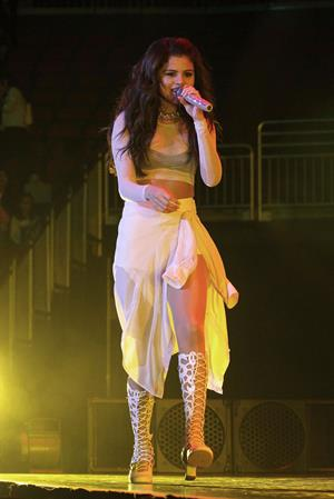 Selena Gomez – Star Dance Tour in Newark 10/20/13