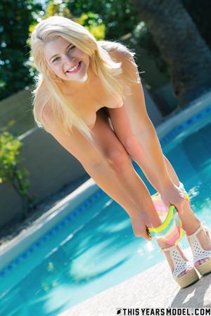 Mindy Corin: Mindy In a Multi Colored Bikini