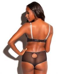 Eve Tramunt in lingerie - ass