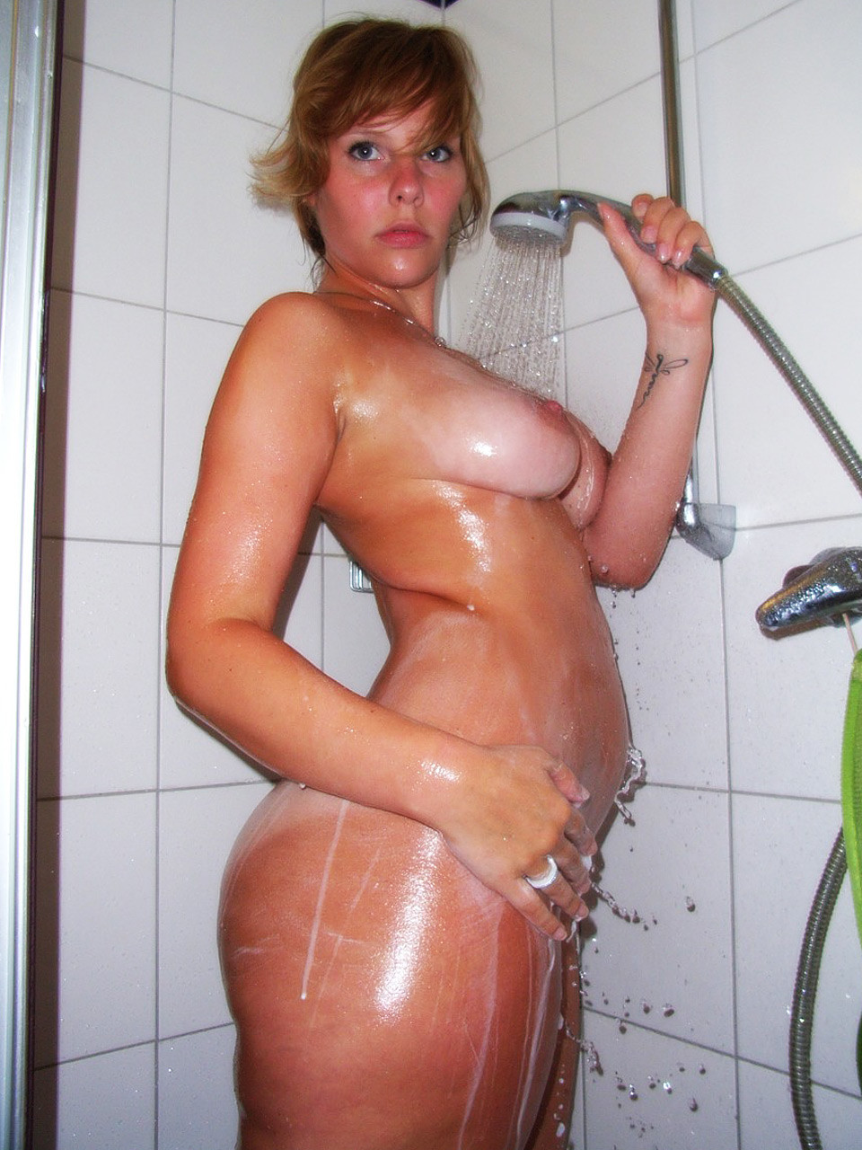 anonymous nude girlfriend pics