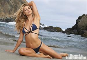 Kelly Rohrbach Sports Illustrated 2015