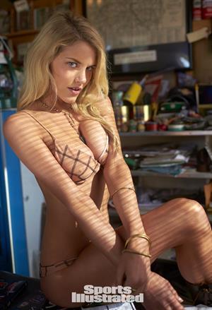 Ashley Smith Sports Illustrated 2015