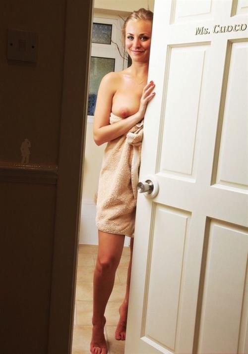 Kaley Cuoco Nude Pictures Rating  85310-8748