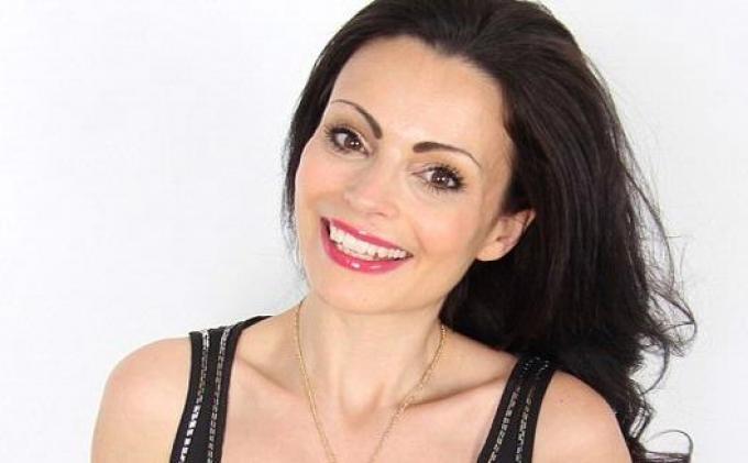 Laura Fernee