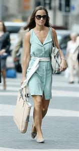 Pippa Middleton walking in London 03.09.13