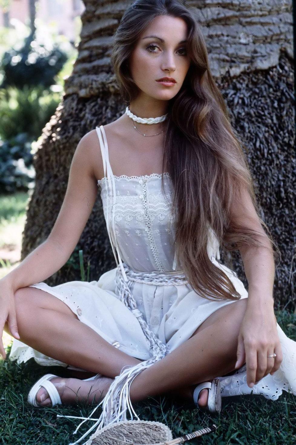 Jane Seymour Nude Photo 95