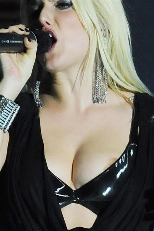 Jeanette Biedermann Nipslip pic. Rating = 6.97/10
