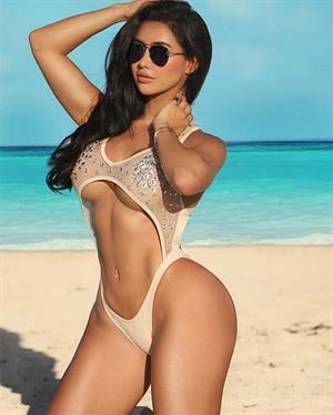 Joselyn Cano Is Our Hottie Of The Day