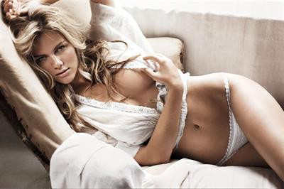 Brooklyn Decker in lingerie