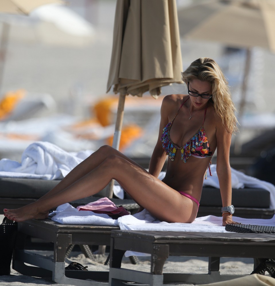 Lauren Stoner  nackt