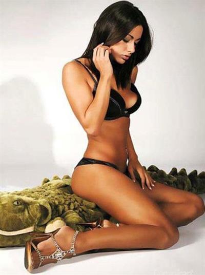 Laura Torrisi in lingerie