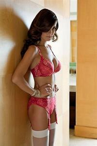 Nelleke Verkaart in lingerie