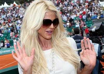 Victoria Silvstedt Lunches at the Monte-Carlo Country Club in Monaco (April 19, 2013)