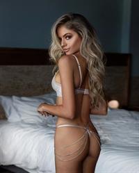 Kalyssa Alynn in lingerie - ass