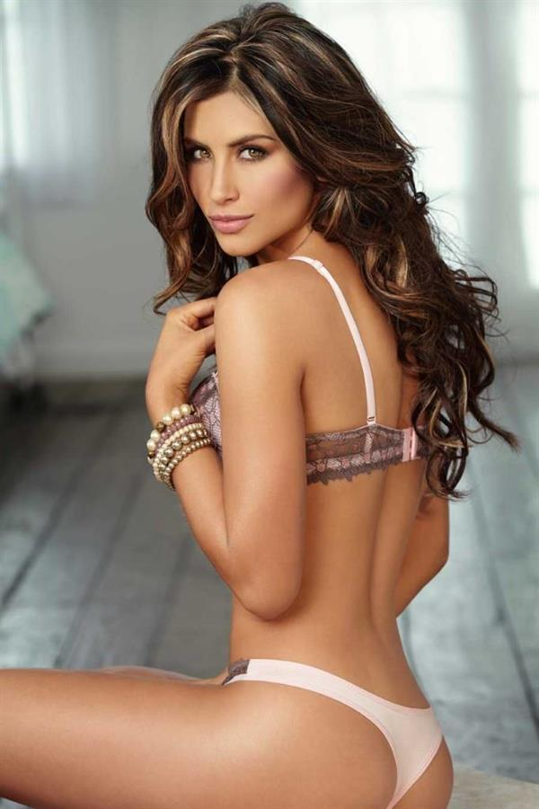 A Colombian Tv Hottie Named Jessica Cediel - 44 Pictures-8521