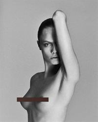 Cara Delevingne nude boobs new photo modelling and censoring part of her topless tits.