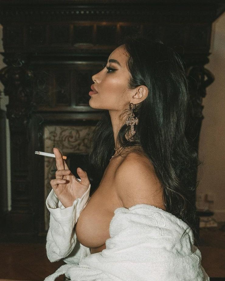 Vu nude angie ha Angie vu