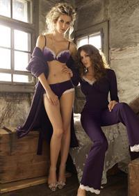 Amanda Ammann in lingerie