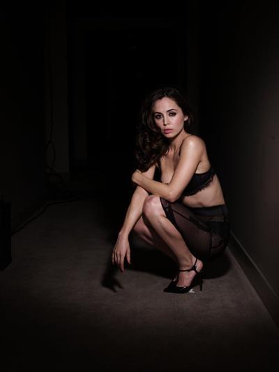 Eliza Dushku in lingerie