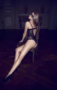 Eniko Mihalik in lingerie - ass